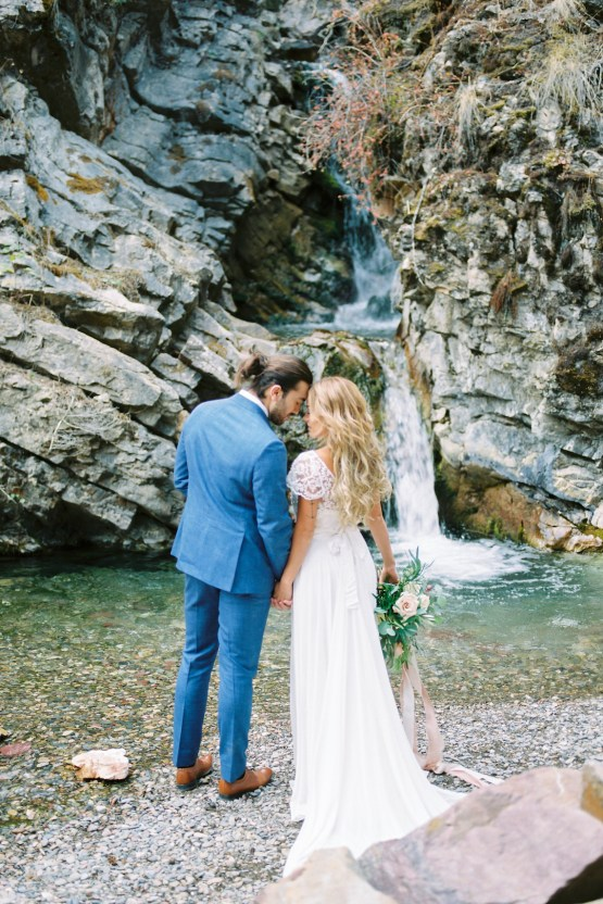 Waterfalls & Watercolors; Dreamy Blue Wedding Ideas | Minted Photography 10