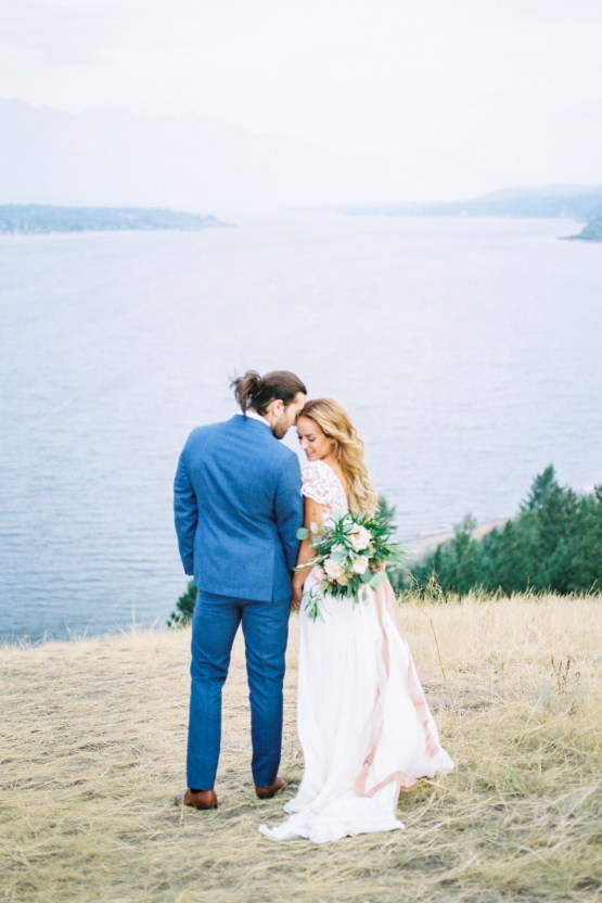 Waterfalls & Watercolors; Dreamy Blue Wedding Ideas | Minted Photography 26