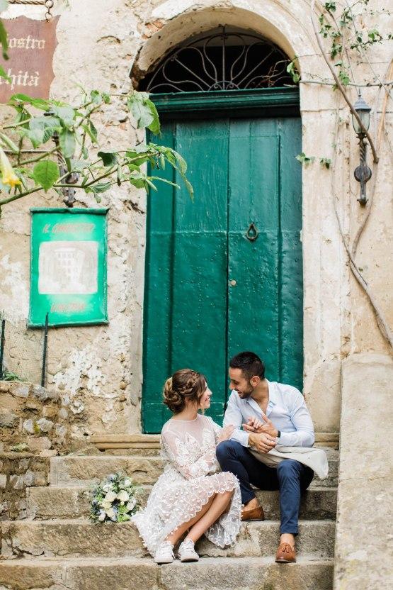 Italian Alleyway Elopement Inspiration | Danielle Smith Photography 15