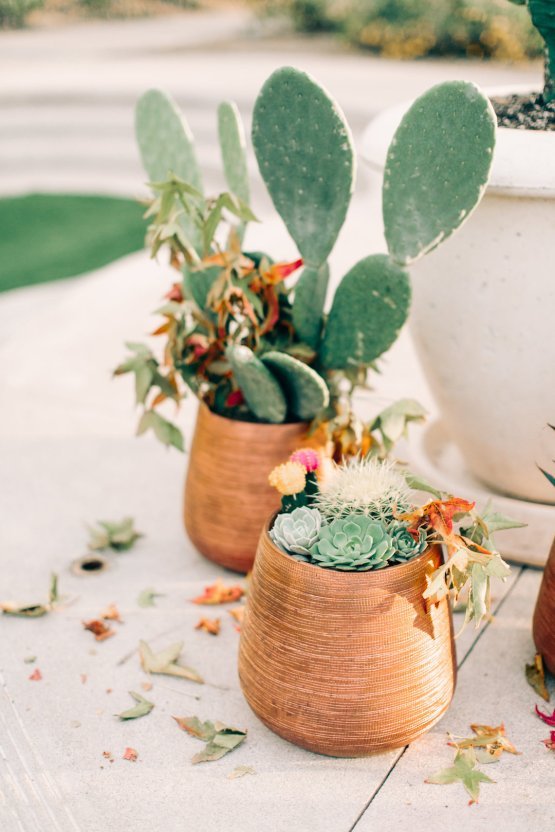 Midcentury Modern Desert Wedding Made Of Boho Dreams | Vienna Glenn 17