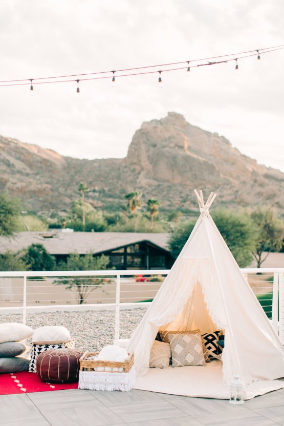 Midcentury Modern Desert Wedding Made Of Boho Dreams | Vienna Glenn 21