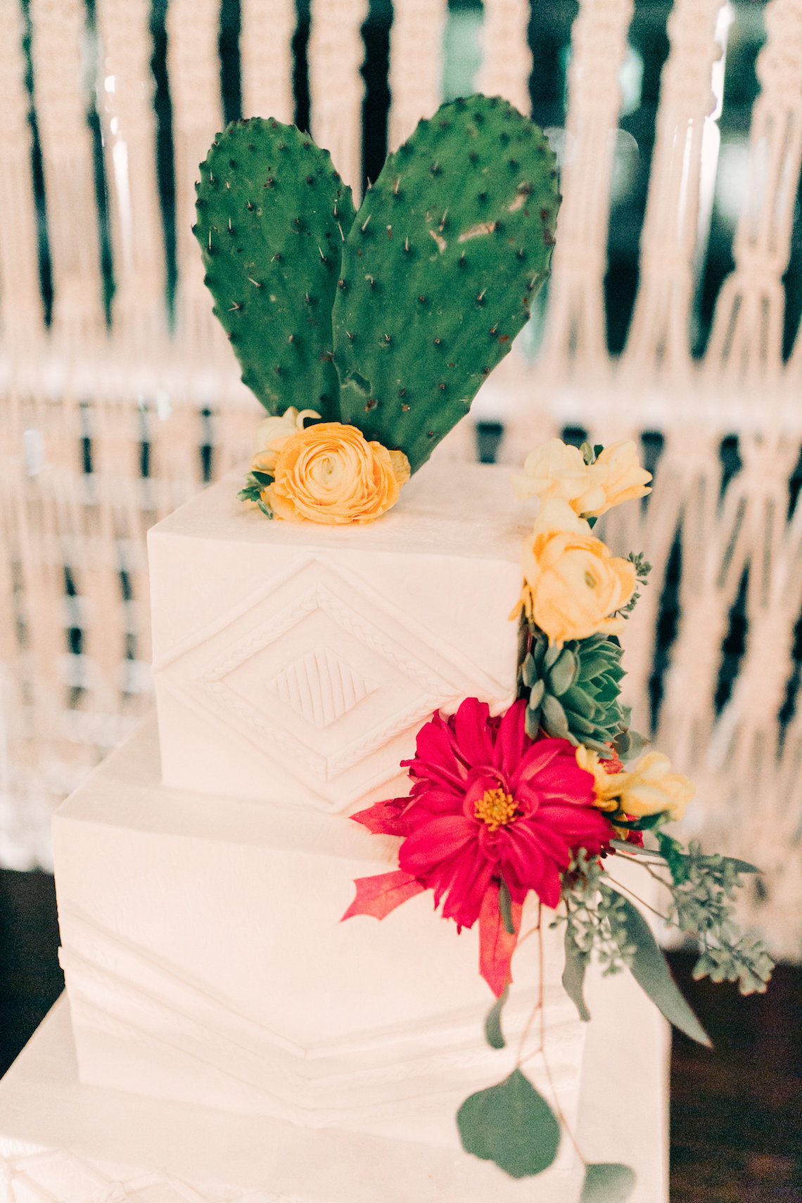 Midcentury Modern Desert Wedding Made Of Boho Dreams | Vienna Glenn 31
