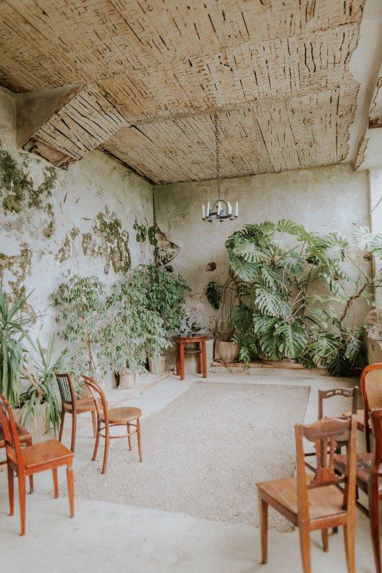 Monstera Leaves & Artichokes; A Hip Slovenian Wedding | Karen Willis Holmes Bridal | Aljosa Videtic 17