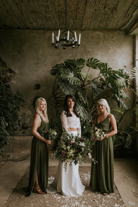 Monstera Leaves & Artichokes; A Hip Slovenian Wedding | Karen Willis Holmes Bridal | Aljosa Videtic 27