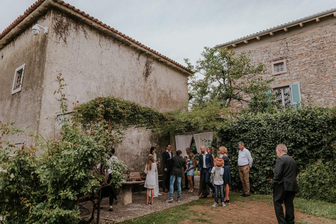 Monstera Leaves & Artichokes; A Hip Slovenian Wedding | Karen Willis Holmes Bridal | Aljosa Videtic 6