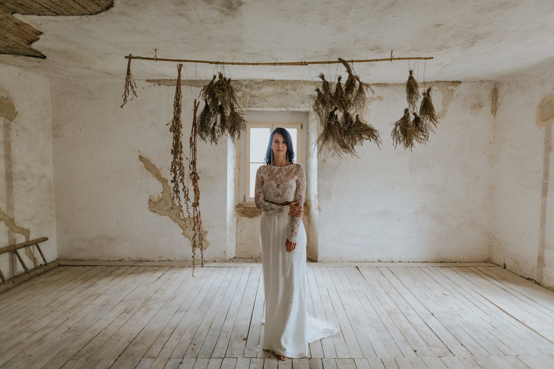 Monstera Leaves & Artichokes; A Hip Slovenian Wedding | Karen Willis Holmes Bridal | Aljosa Videtic 7
