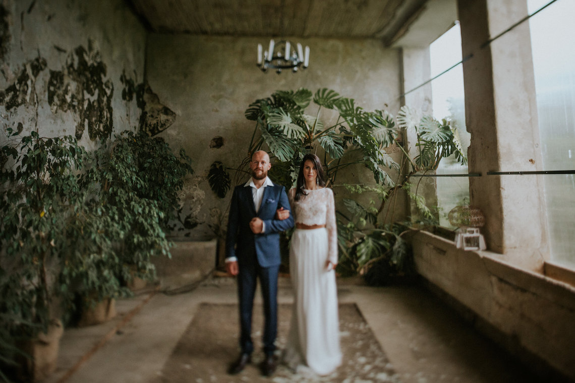 Monstera Leaves & Artichokes; A Hip Slovenian Wedding | Karen Willis Holmes Bridal | Aljosa Videtic 8