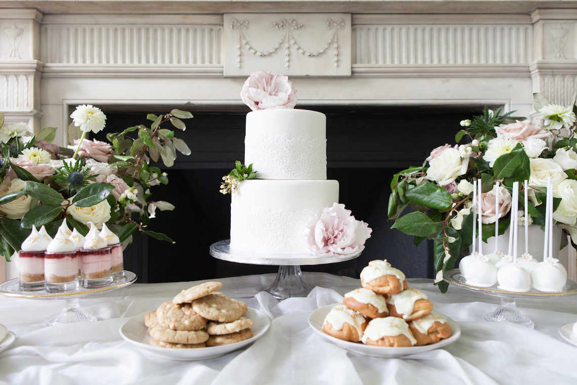 Swanky London Wedding Inspiration Filled With Pretty Dessert Ideas | Amanda Karen Photography 8