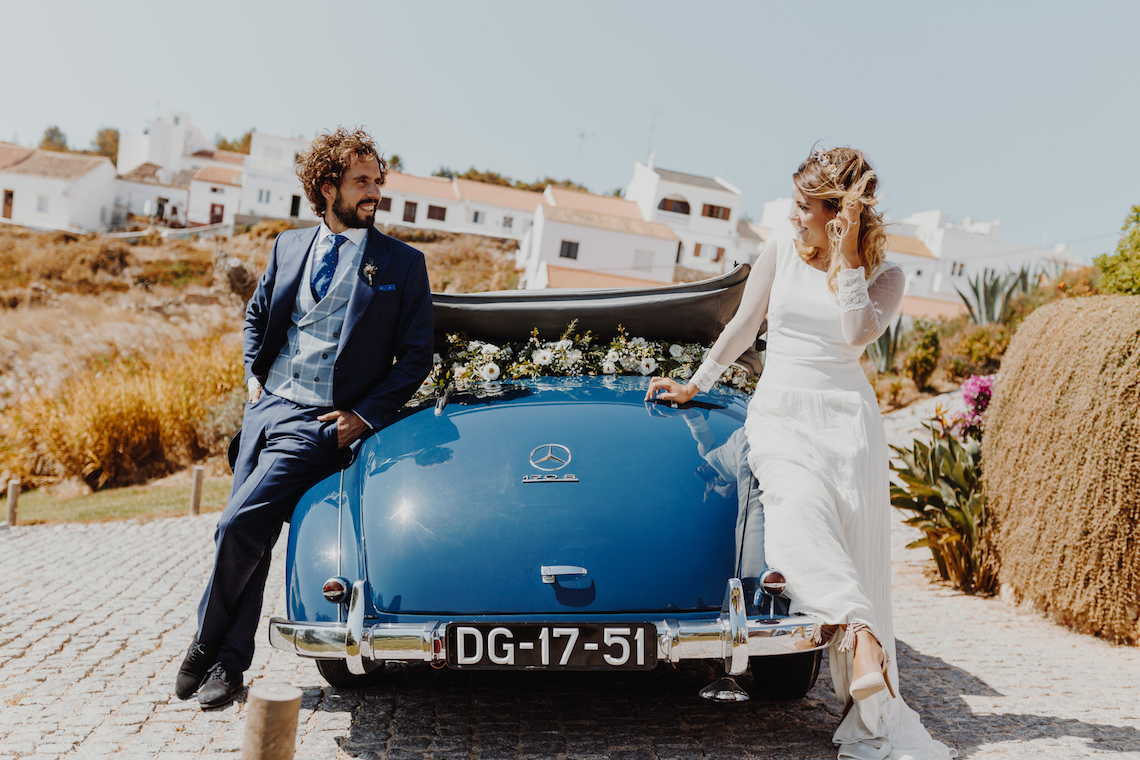9 Guests 2 Dogs on a Beach in Portugal – A Wedding Film | Vanessa & Ivo 17