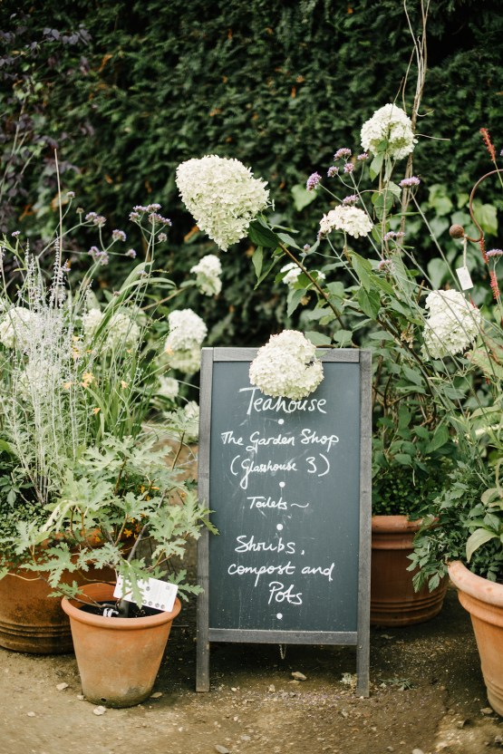 A Floral Explosion At An English Garden Wedding | Dominique Bader 15