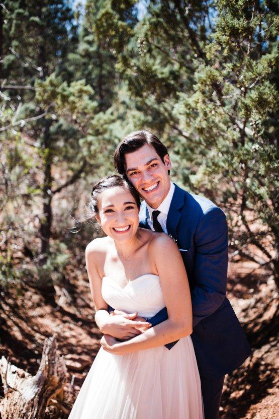 Casual Sedona Red Rocks Wedding (With A Sweet Blush Wedding Dress) | Julia Kinnunen Photography 17
