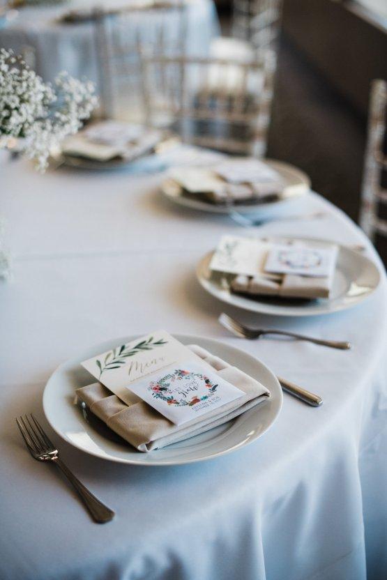 Casual Sedona Red Rocks Wedding (With A Sweet Blush Wedding Dress) | Julia Kinnunen Photography 24