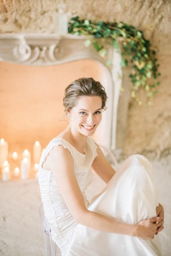 Ornate Candelit Peach & Blue Wedding Inspiration | Gabriela Jarkovska 13