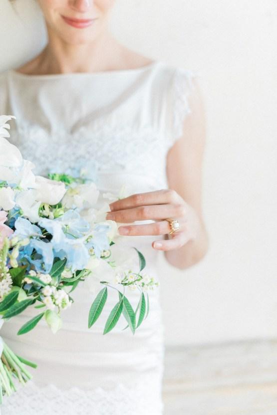 Ornate Candelit Peach & Blue Wedding Inspiration | Gabriela Jarkovska 23