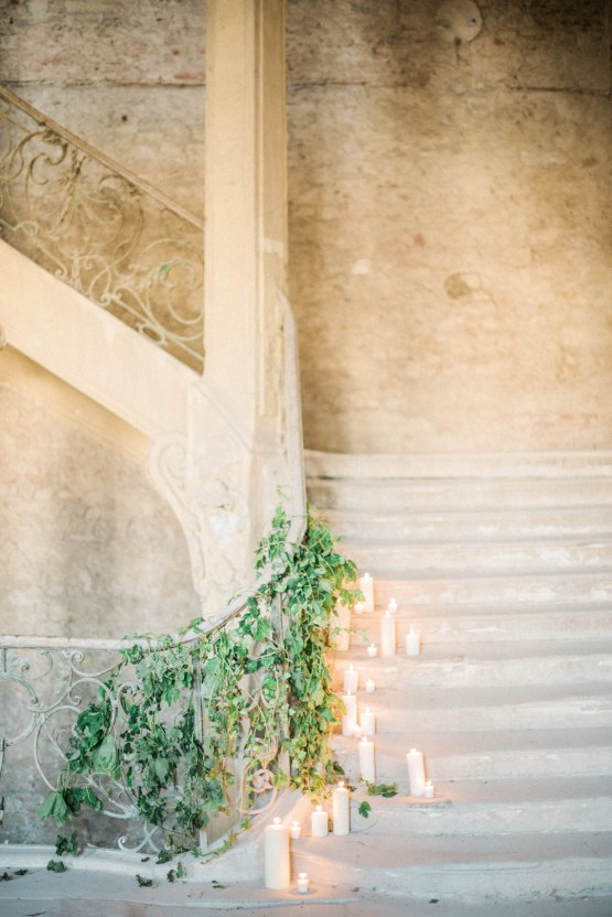 Ornate Candelit Peach & Blue Wedding Inspiration | Gabriela Jarkovska 27