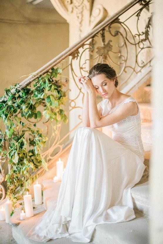 Ornate Candelit Peach & Blue Wedding Inspiration | Gabriela Jarkovska 30
