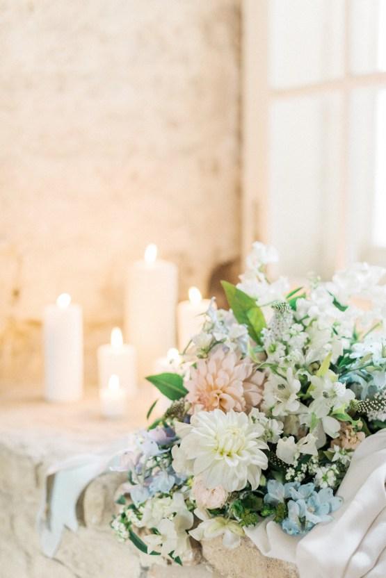 Ornate Candelit Peach & Blue Wedding Inspiration | Gabriela Jarkovska 34