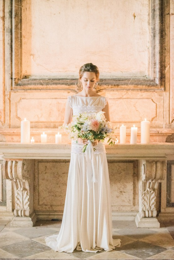 Ornate Candelit Peach & Blue Wedding Inspiration | Gabriela Jarkovska 37