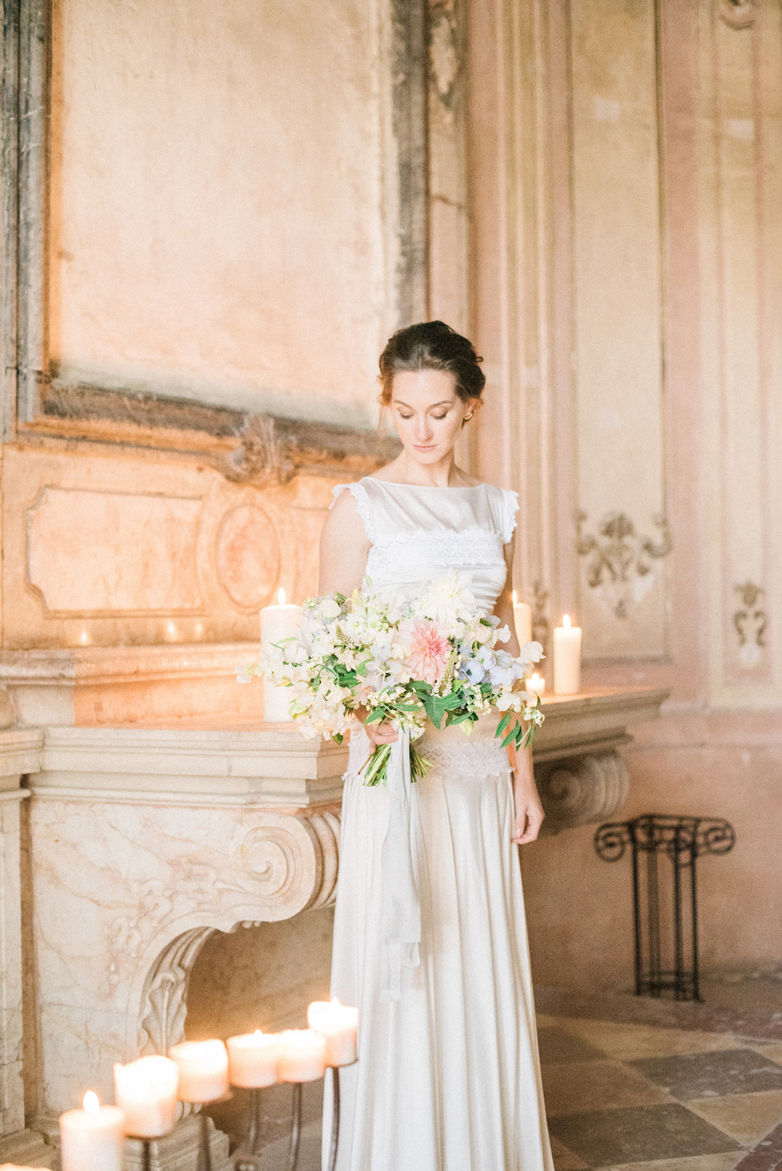 Ornate Candelit Peach & Blue Wedding Inspiration | Gabriela Jarkovska 38