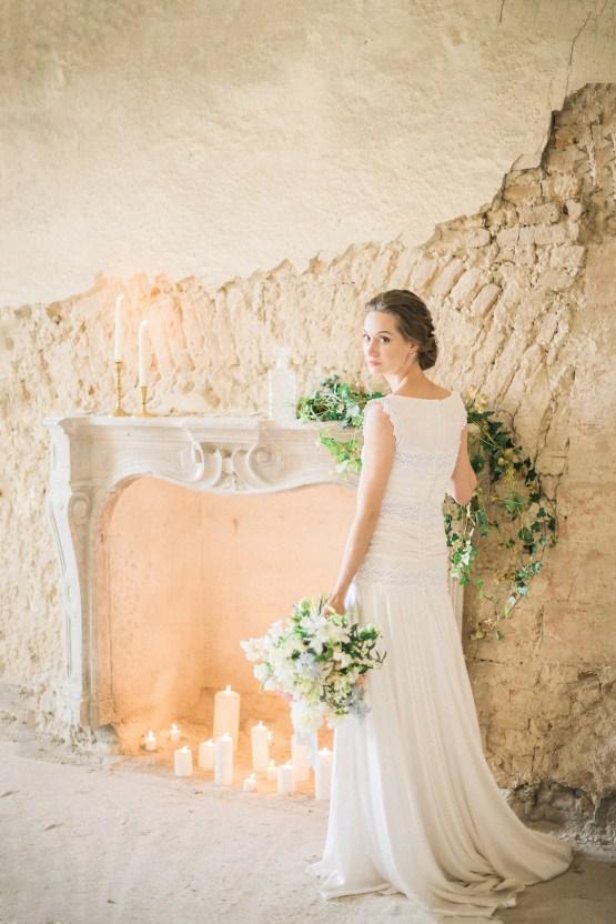 Ornate Candelit Peach & Blue Wedding Inspiration | Gabriela Jarkovska 4