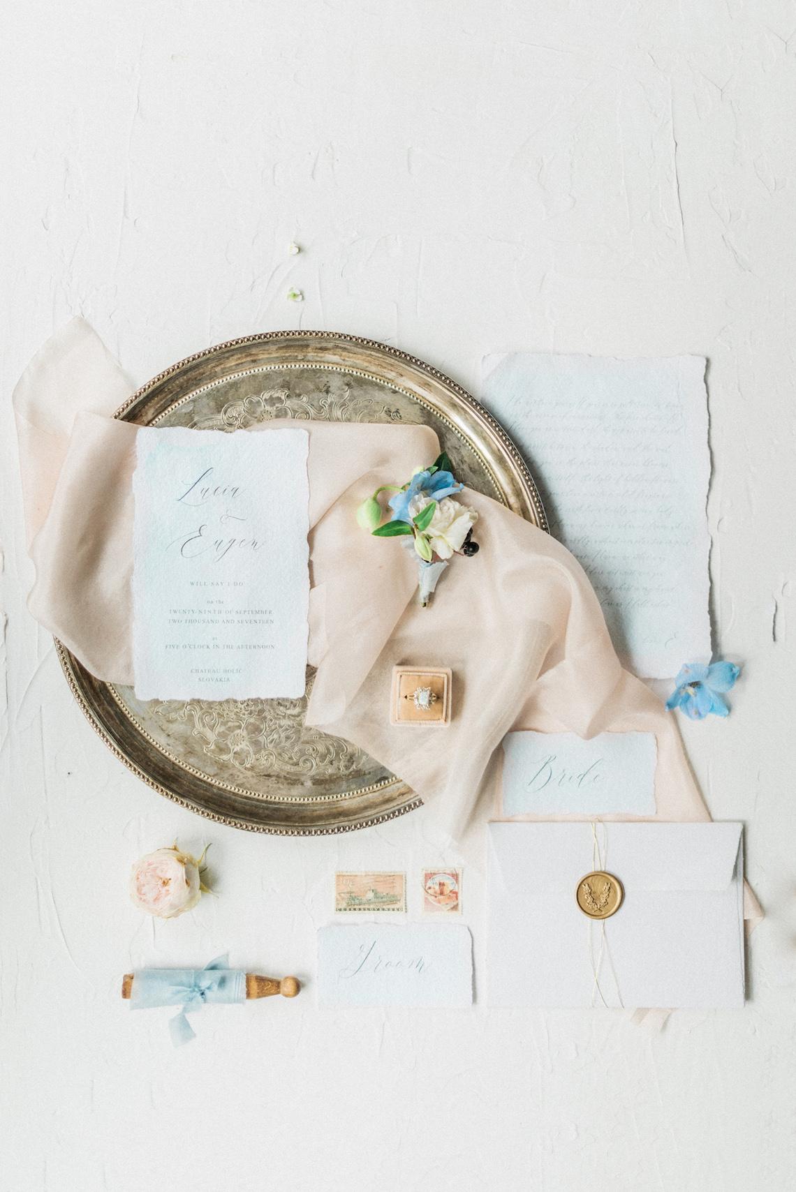 Ornate Candelit Peach & Blue Wedding Inspiration | Gabriela Jarkovska 8