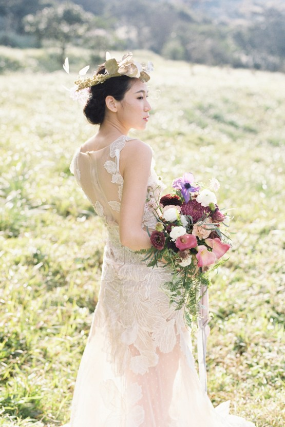 Whimsical Meadow Wedding Inspiration With Dried Florals | Olea & Fig Studio | The Stage Photography 20