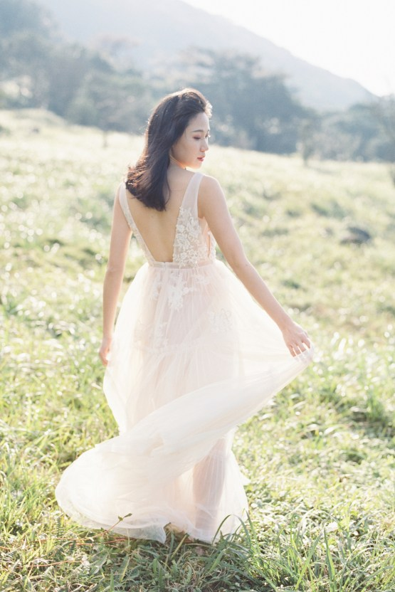 Whimsical Meadow Wedding Inspiration With Dried Florals | Olea & Fig Studio | The Stage Photography 31