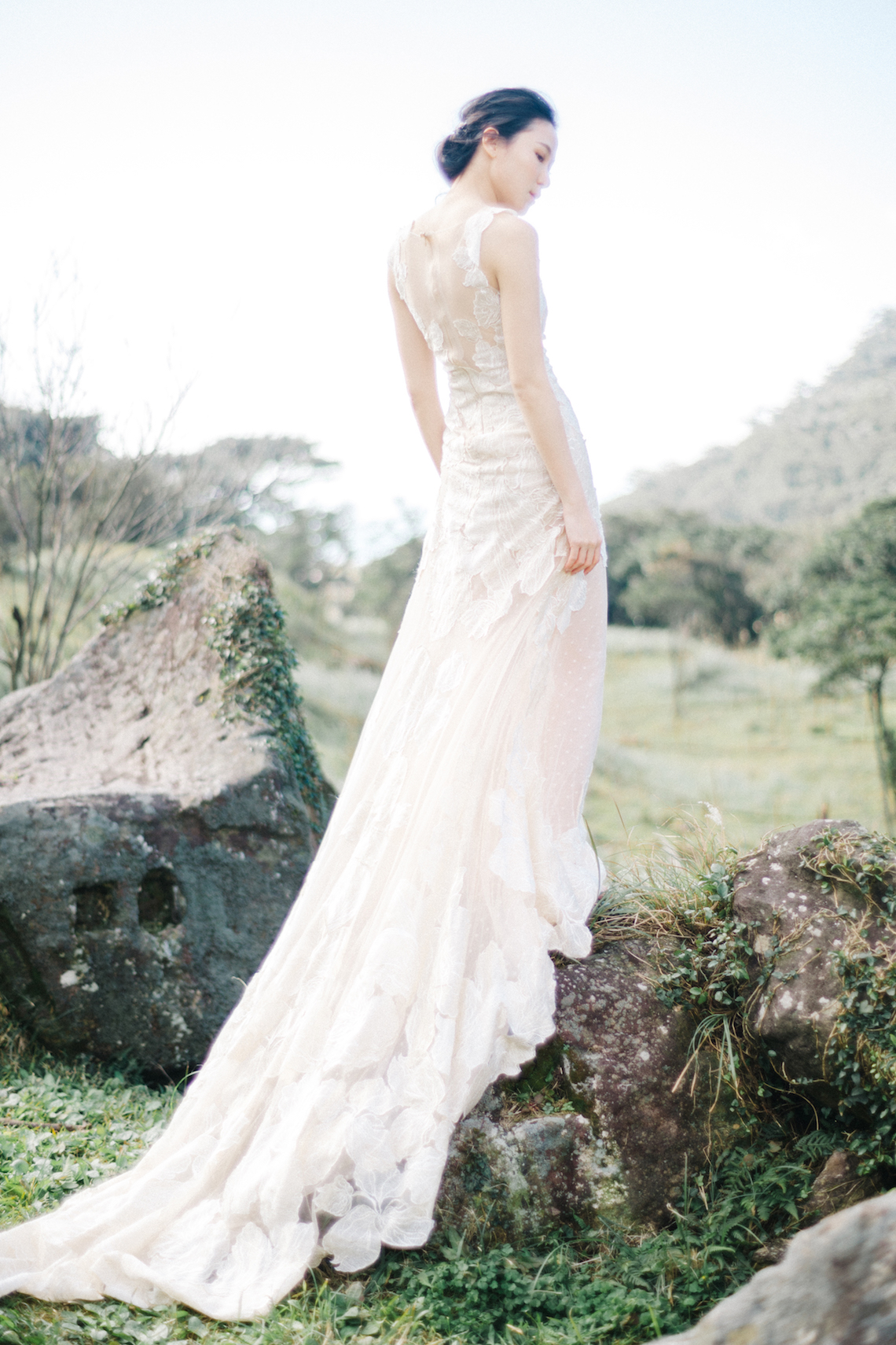 Whimsical Meadow Wedding Inspiration With Dried Florals | Olea & Fig Studio | The Stage Photography 5