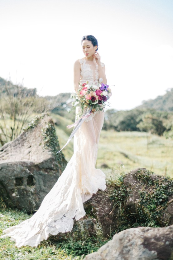 Whimsical Meadow Wedding Inspiration With Dried Florals | Olea & Fig Studio | The Stage Photography 7