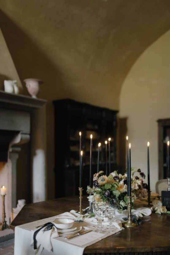 Ancient Rome Meets Mod Yellows & Sophisticated Black In This Timeless Wedding Inspiration | Cinzia Bruschini 22