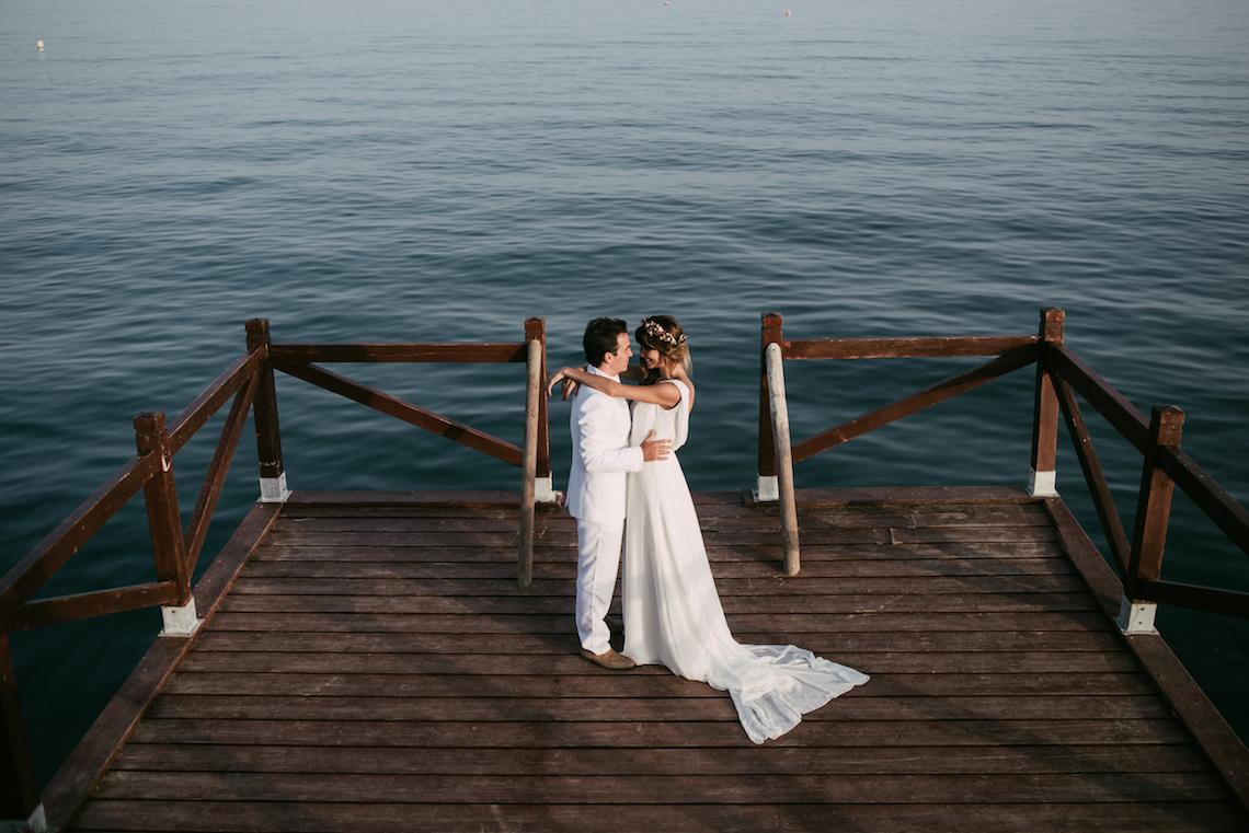 Relaxed All-White Spanish Beach Wedding With Seriously Glamorous Bridal Beauty Style   Sara Lobla Photography 13