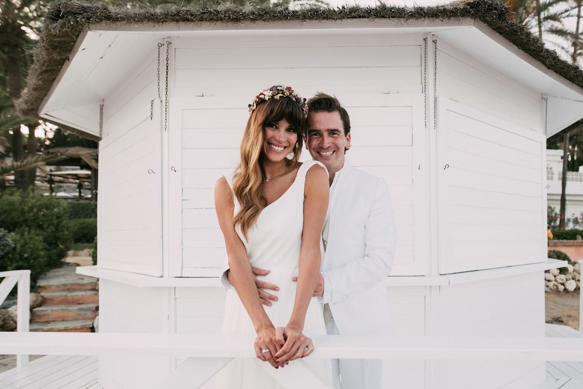 Relaxed All-White Spanish Beach Wedding With Seriously Glamorous Bridal Beauty Style   Sara Lobla Photography 15