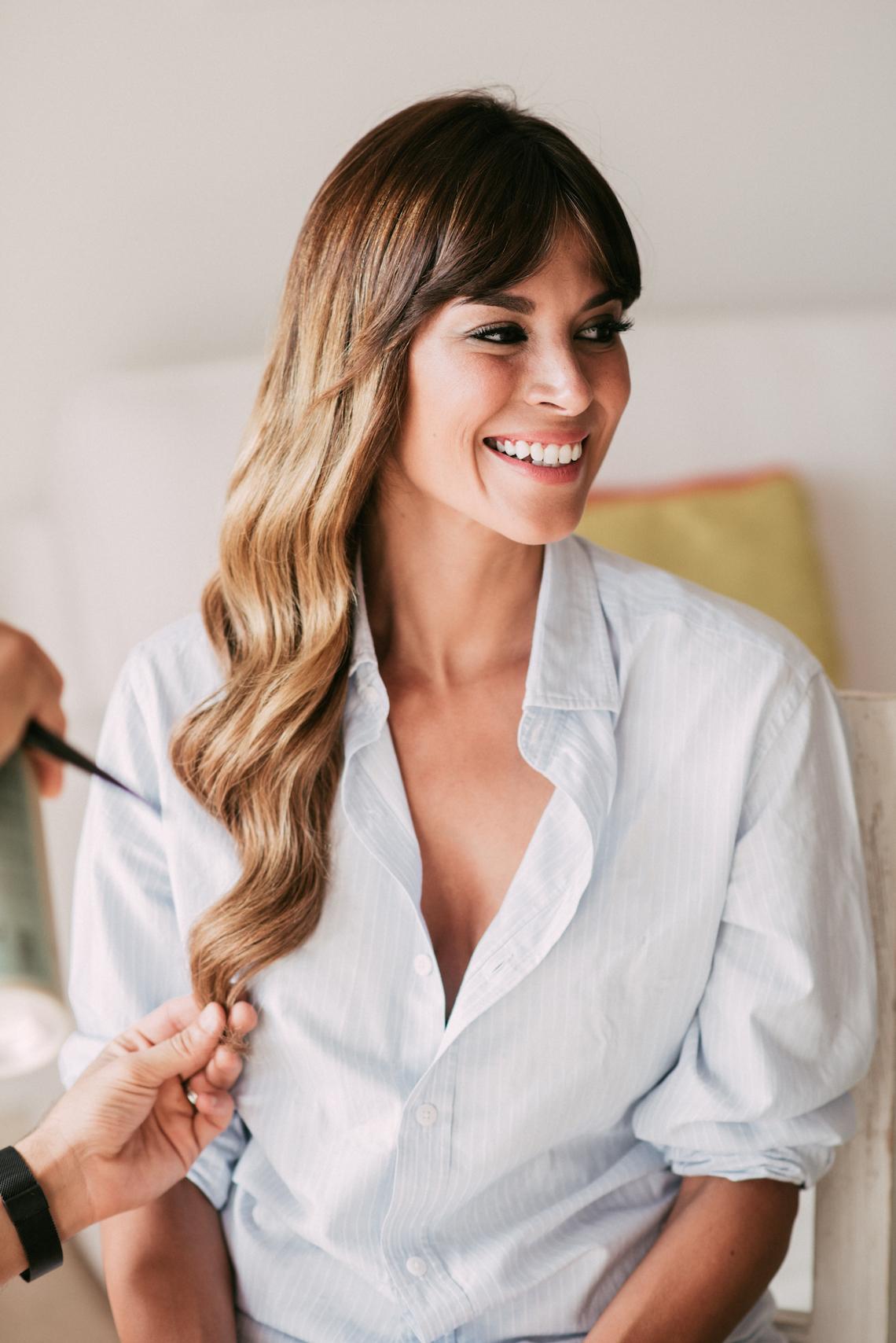 Relaxed All-White Spanish Beach Wedding With Seriously Glamorous Bridal Beauty Style   Sara Lobla Photography 24