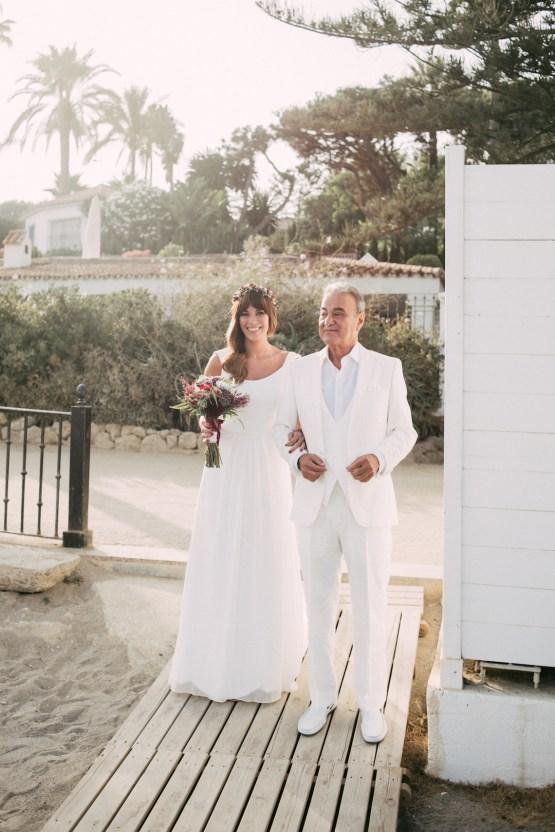 Relaxed All-White Spanish Beach Wedding With Seriously Glamorous Bridal Beauty Style   Sara Lobla Photography 32