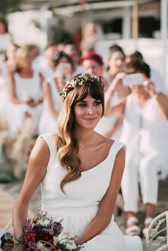 Relaxed All-White Spanish Beach Wedding With Seriously Glamorous Bridal Beauty Style   Sara Lobla Photography 35
