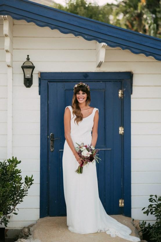 Relaxed All-White Spanish Beach Wedding With Seriously Glamorous Bridal Beauty Style   Sara Lobla Photography 38