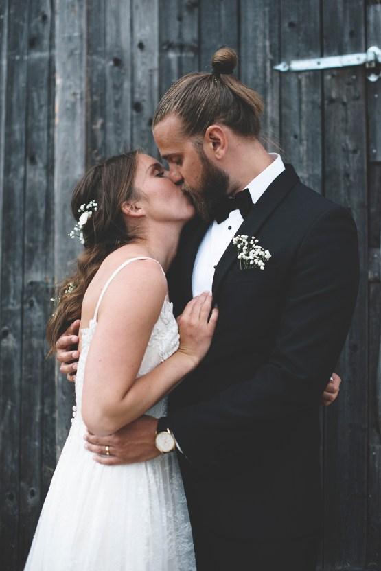 Relaxed & Woodsy Swedish Island Wedding   Sara Kollberg 12