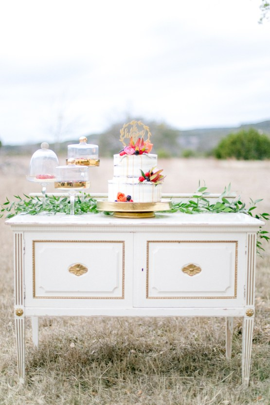 Summer Berry Wedding Ideas From The Hill Country | Jessica Chole 55