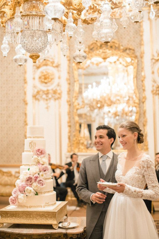 An Elegant Royal Vienna Destination Wedding | A Very Beloved Wedding | Sandra Aberg 52