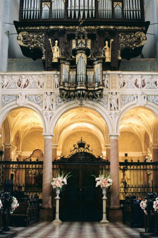 An Elegant Royal Vienna Destination Wedding | A Very Beloved Wedding | Sandra Aberg 7