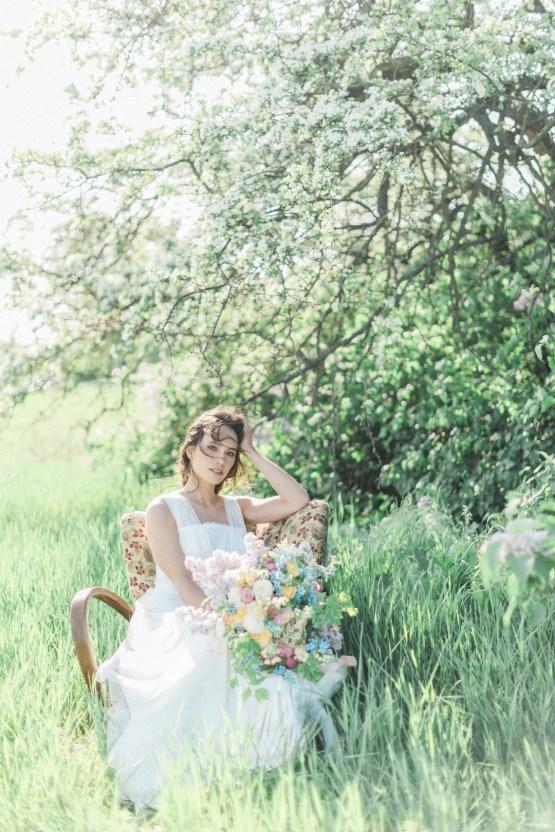 Beltane Goddess Bridal Inspiration With Lilacs And Horses – Gabriela Jarkovska 29
