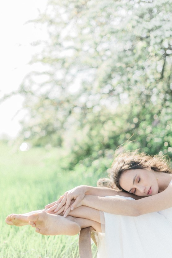 Beltane Goddess Bridal Inspiration With Lilacs And Horses – Gabriela Jarkovska 31