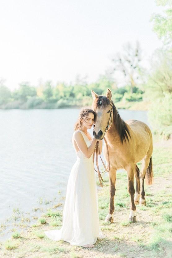 Beltane Goddess Bridal Inspiration With Lilacs And Horses – Gabriela Jarkovska 32
