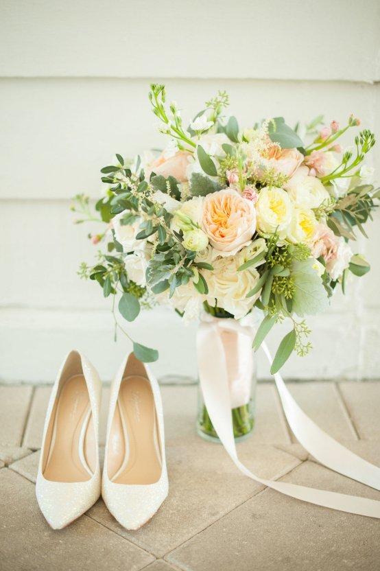 Elegant Pretty Pink Beach Wedding | Stephanie Smith 16