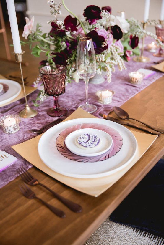 Multicultural Purple and Gold Bollywood Wedding Inspiration – Willow and Ivy Events – Zainab Rikabi 11