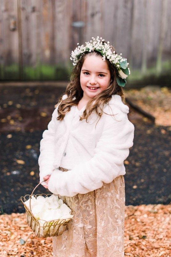 Rustic Barn Wedding Filled With Greenery | Deyla Huss Photography 24
