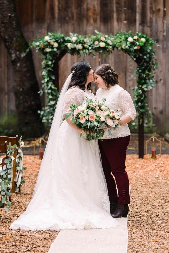 Rustic Barn Wedding Filled With Greenery | Deyla Huss Photography 41