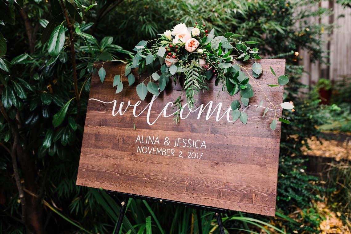 Rustic Barn Wedding Filled With Greenery | Deyla Huss Photography 8