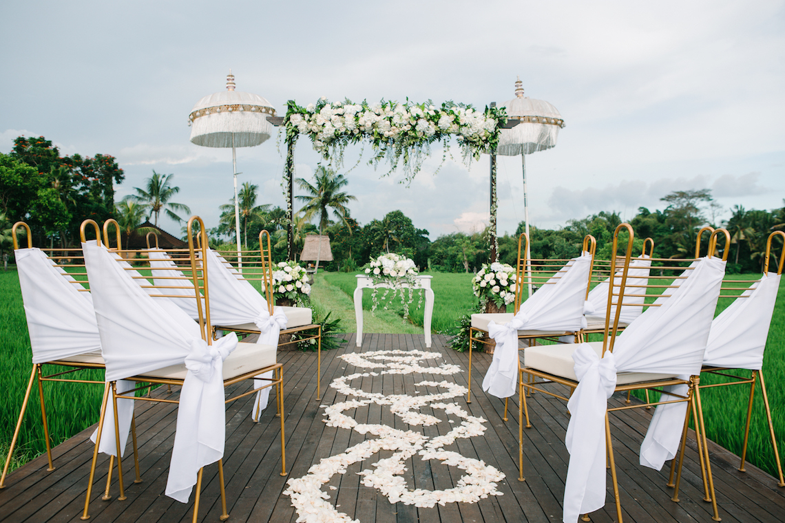 Zen Balinese Wedding Inspiration With A Dazzling Tiara | Nej Photo | Chere Weddings 5