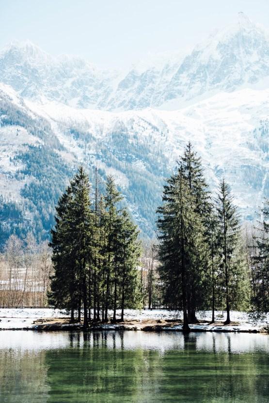 Charming Chamonix Winter Wedding With A Fur Coat – Katie Mitchell 10